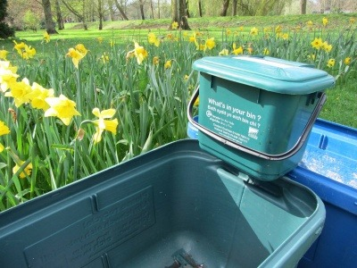 An image of a Welsh food recycling caddy