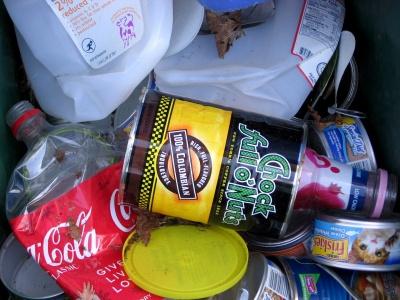 Major US companies promise to halve food waste