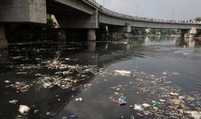 Plastic waste in the Pasig River in Manila