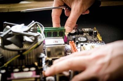 Repairing an electronic item