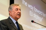 Vella calls for prevention and recycling to underpin EU Plastics Strategy