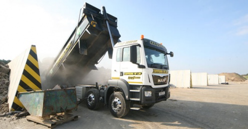 Suffolk aggregate recycling centre uses Alfabloc system for storage bays