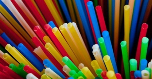 An image of single-use plastic straws